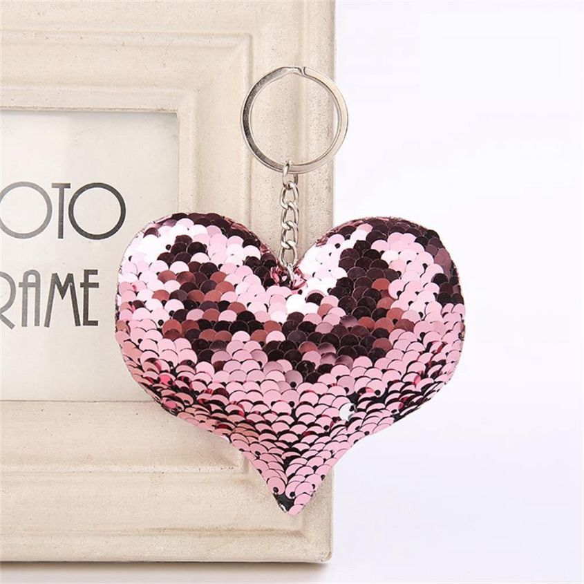 Szív alakú, pikkelyes kulcstartó