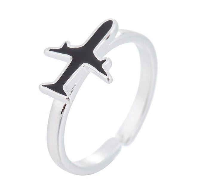 Pilóták, légikisérők gyűrűje