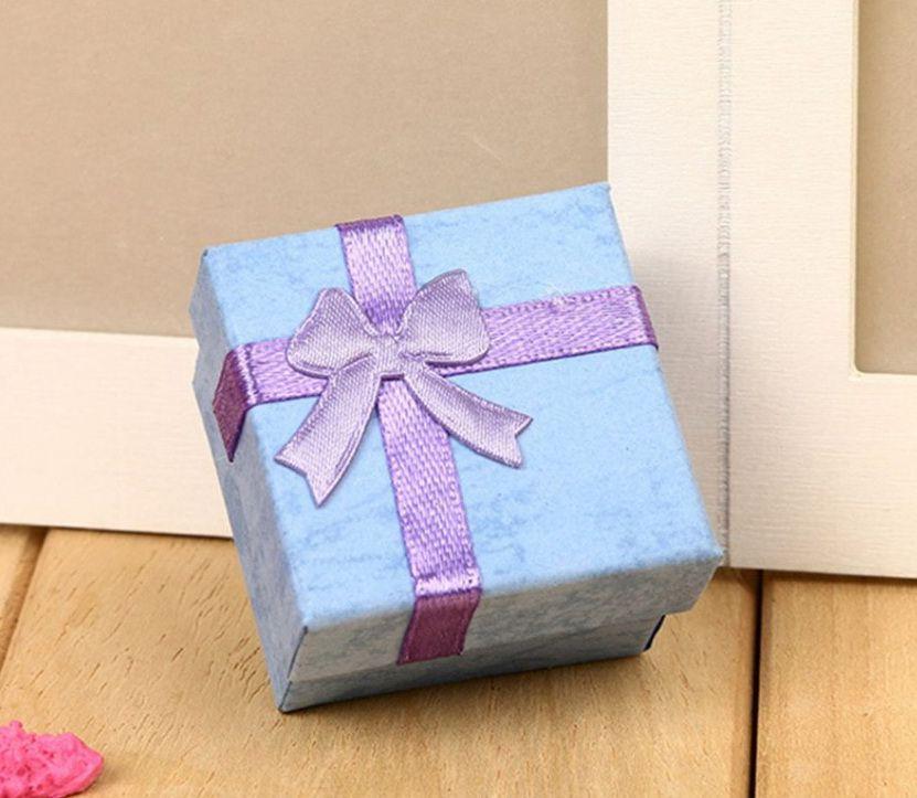 4x4-es kék papírdoboz
